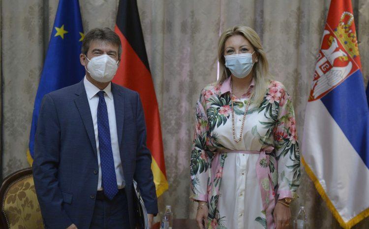 J. Joksimović 和 Müller:德國為可持續發展提供發展援助